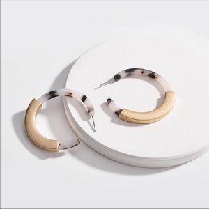 VALENCIA ✨ Tortoiseshell Hoop Earrings Matte Gold